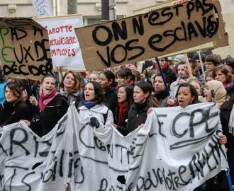 Des étudiants manifestent contre le Contrat Première Embauche, en 2006.